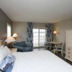 Bay Pointe Inn Lakeside Luxury Room
